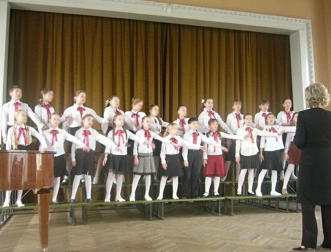12.dainav.instr_.choras
